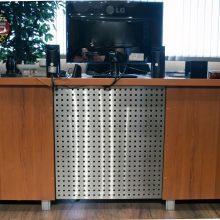 Osłona biurka z blachy perforowanej